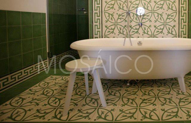 zementfliesen_mosaico_lech_am_arlberg_hotel_badezimmer_1948_02