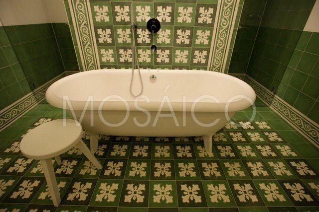 zementfliesen_mosaico_lech_am_arlberg_hotel_badezimmer_1948_10