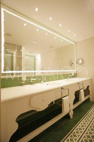 zementfliesen_mosaico_lech_am_arlberg_hotel_badezimmer_1948_12