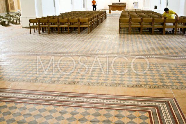 zementfliesen_mosaico_vukovar_kirche_public_5102_6